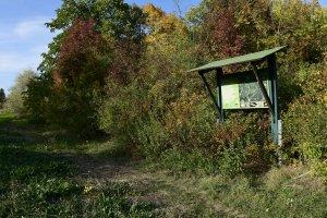 A kerületben tevékenykedő Zöld Jövő Környezetvédelmi Egyesület tanösvényt létesített a területen, melyet később a Magyar Madártani Egyesület tábláival egészítettek ki